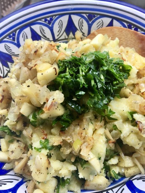 Kartoffelstampf mit Apfel-Zwiebel Gemüse